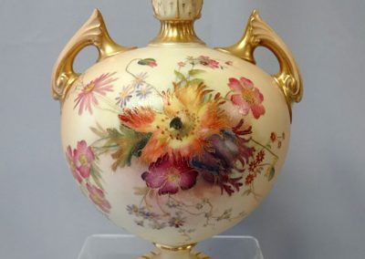 Lot-222-Royal-Worcester-1902-9.5-in-h