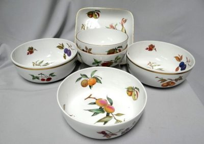 Lot-320 Royal Worcester Evesham