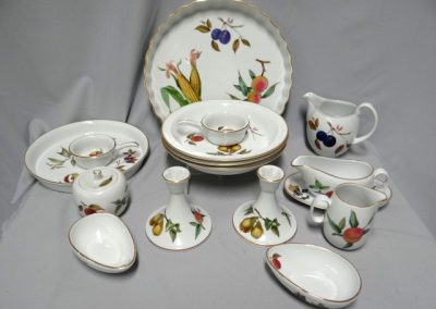 Lot-321 Royal Worcester Evesham