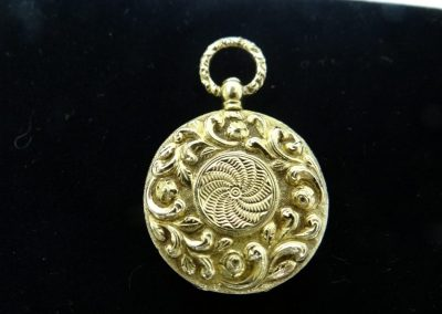 Lot-499 Julius Cornelius 18 kt gold