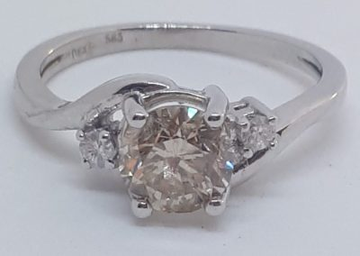 Lot-030 14 kt 1.01 ct diamond App value $5850