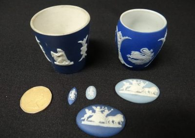 Lot-154 minature Wedgwood items