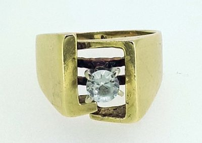 Lot-500 14 kt gold & spinel
