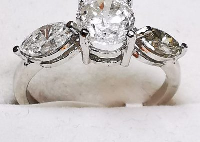 Lot-161 14 kt diamonds appraised value $9300